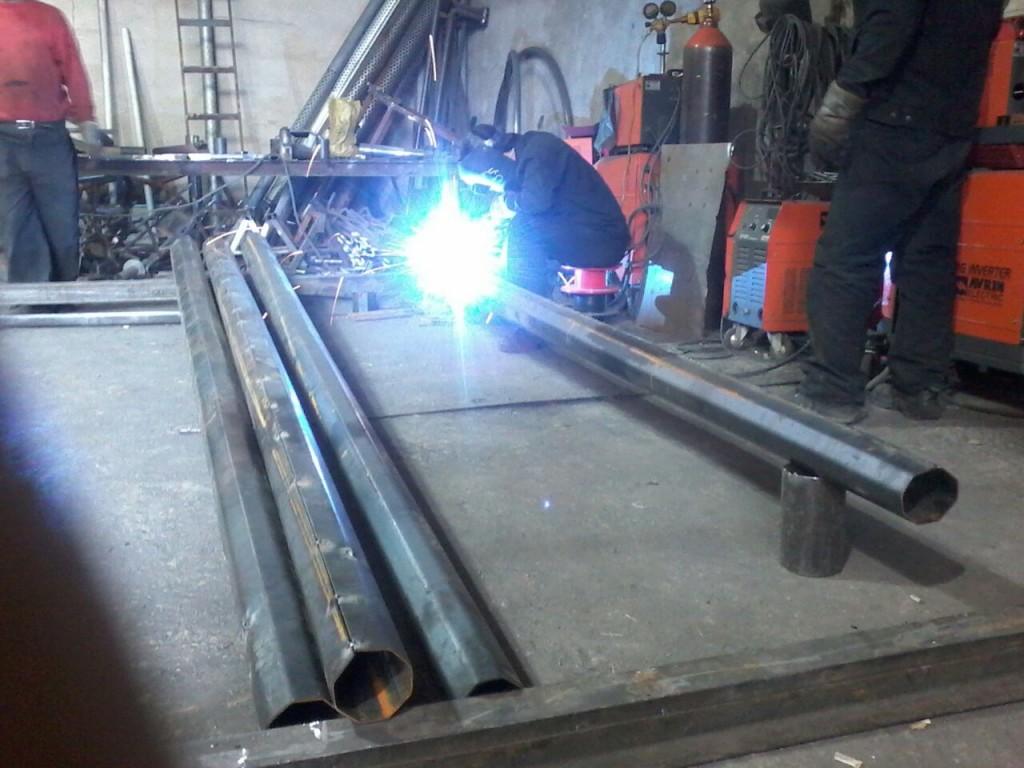 تولید پایه چراغ